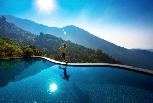 5 bể bơi vô cực giải nhiệt ngày nóng như đổ lửa ở miền Bắc