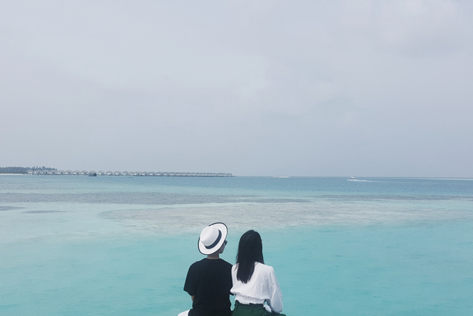 Kỳ nghỉ ở Maldives nắng ấm của đôi bạn thân Quỳnh Chi và Thuỳ Dung