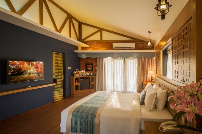 Không gian thoáng mát hòa cùng thiên nhiên, Famiana Resort & Spa Phú Quốc có 100 phòng nghỉ với các bungalow, biệt thự đơn lập có thể tích từ 45m2 tới 200m2 với diện tích tiện nghị, thoải mái sẽ là chốn nghỉ ngơi hoàn hảo sau 1 ngày dài khám phá vẻ đẹp hoang sơ và thiên nhiên trù phú của đảo ngọc Phú Quốc, vị trí được mệnh danh hòn ngọc giữa biển khơi nằm trong vịnh Thái Lan.