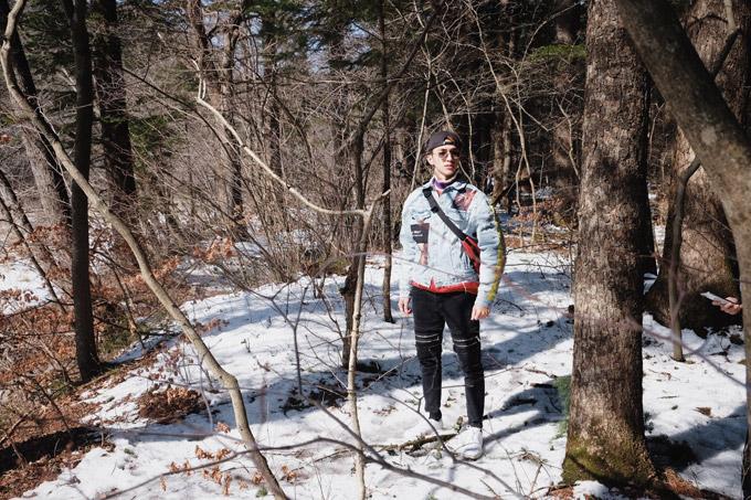 Diễn viên Bình An cho biết, giữa diện tích tuyết trắng xen lẫn rừng cây khô trơ trụi lá,đứng tại bất cứ đâu anhcũng có được các bức hình tuyệt đẹp.
