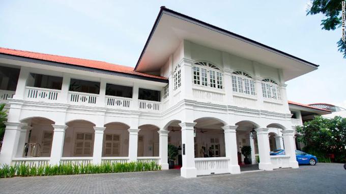 Đây là lần trước nhất khách sạn Capella được mua làm địa điểm tổ chức một sự kiện chính trị quan trọng, tầm cỡ thế giới. Trước đó, giàu cái tên từng được cân kể như khách sạn Shangrila trên đường Orchard - nơi từng diễn ra cuộc gặp giữa chủ tịch Trung Quốc Tập Cận Bình và người đứng đầu Đài Loan Mã Anh Cửu năm 2015.
