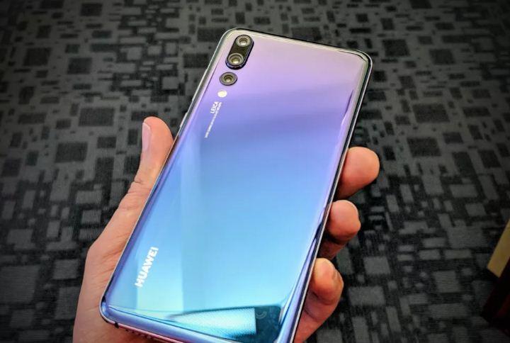 """Huawei Mate P20 Pro là """"gã khổng lồ"""" nếu so với Galaxy Note 9"""